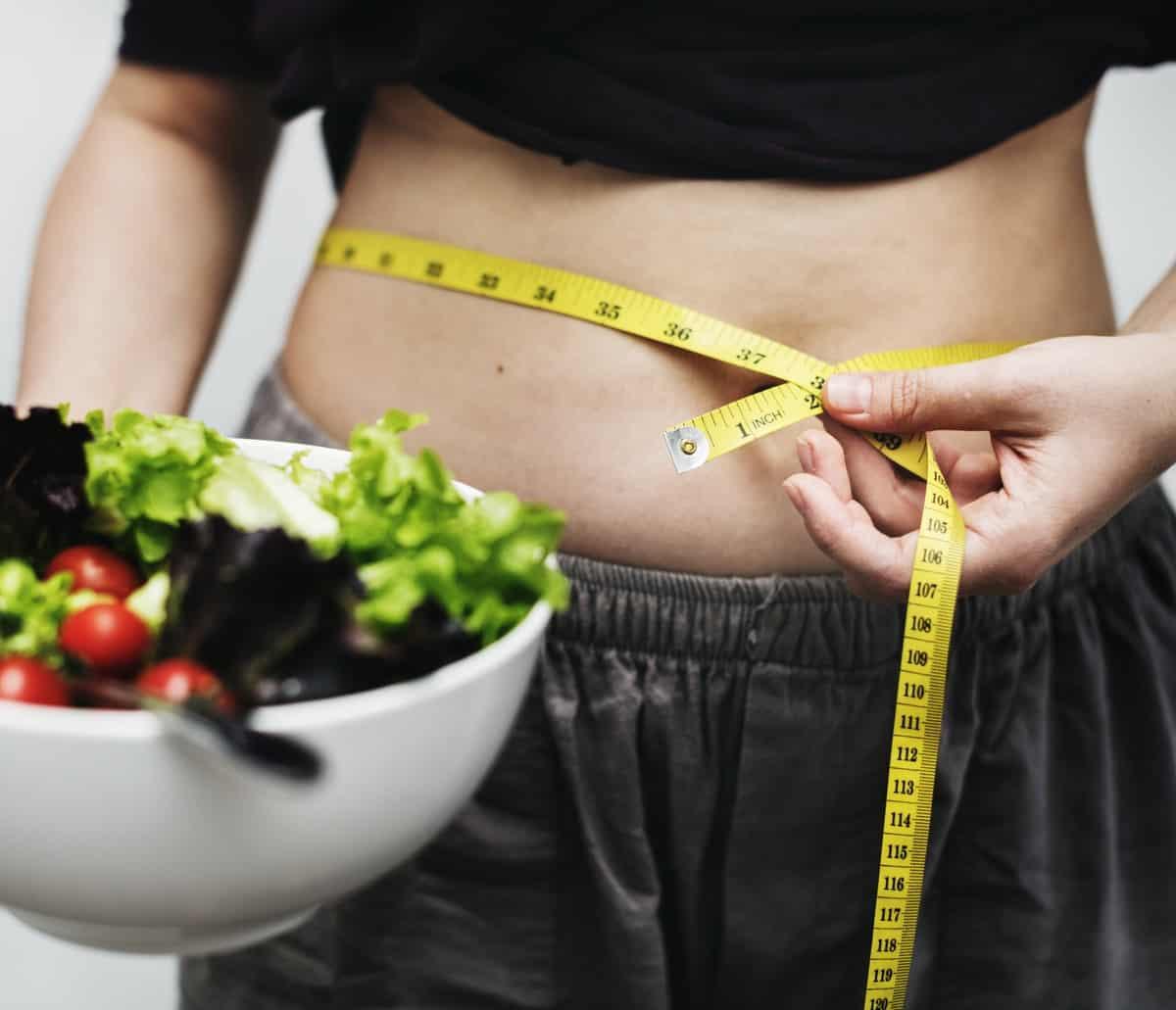 Obeziteden kurtulmak mide küçültme ameliyatları ile imkansız değil.